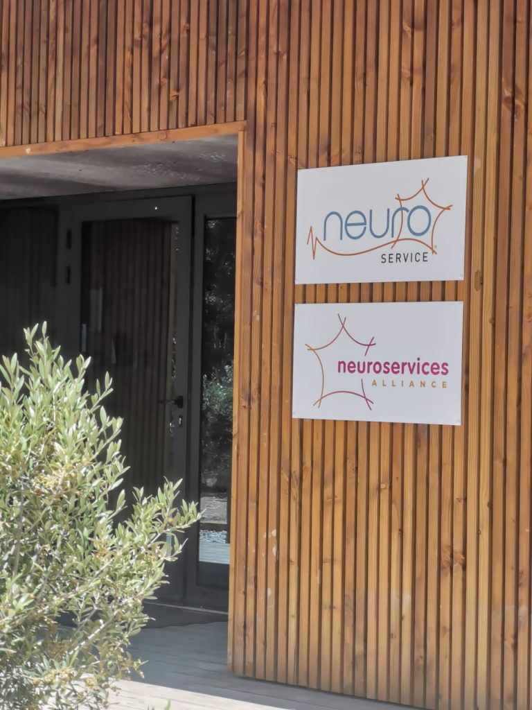 Picture of Neuroservice entrance